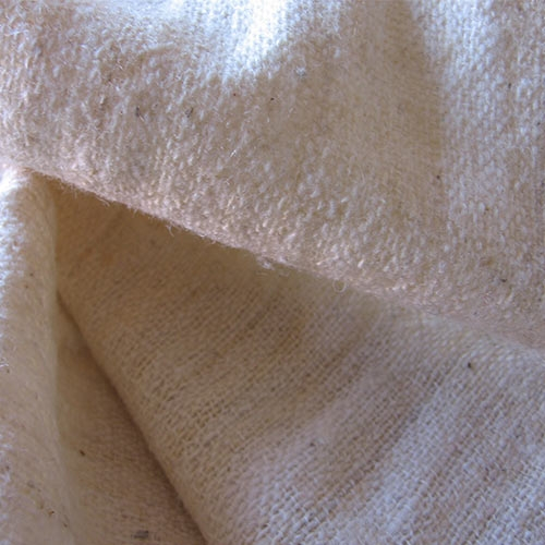 Plain weave hand-spunnen and hand-woven Wool, natural white